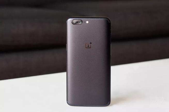 一加手机5海外亮相:8+128配置良心 国内售价成最终悬念的照片 - 6