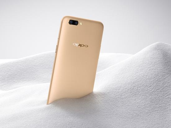 """科客晚报:苹果为""""降频门""""致歉,OPPO将进驻日本市场"""