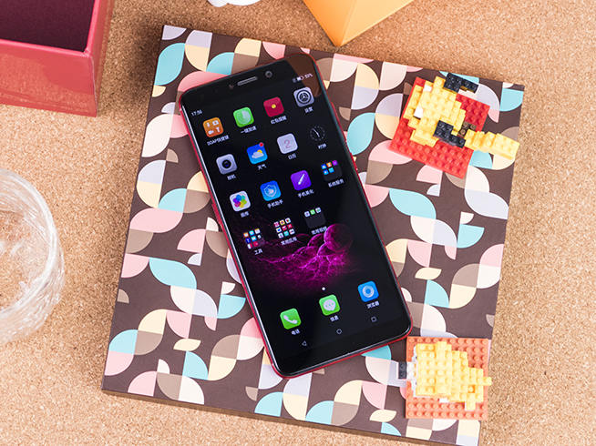 糖果SOAP R11图赏:开启千元级全面屏智能手机时代