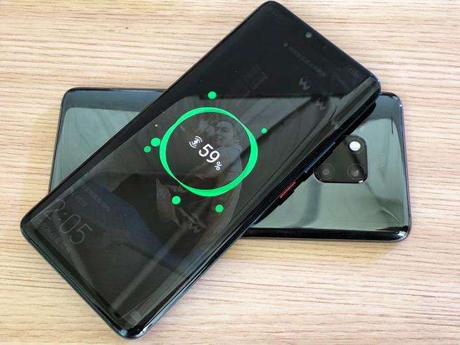 华为Mate 20 Pro充电比苹果XS快4.4倍