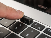 华为MateBook X Pro开箱:13英寸机身配14英寸全面屏