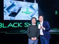 黑鲨游戏手机2澳门普京网址:新色惊艳,操控升级