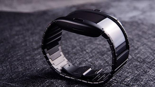 努比亚α可弯折柔性屏智能手机体验:新物种新玩法