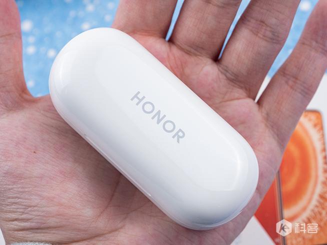 降噪媲美AirPods Pro,价钱不到一半!荣耀FlyPods 3评测
